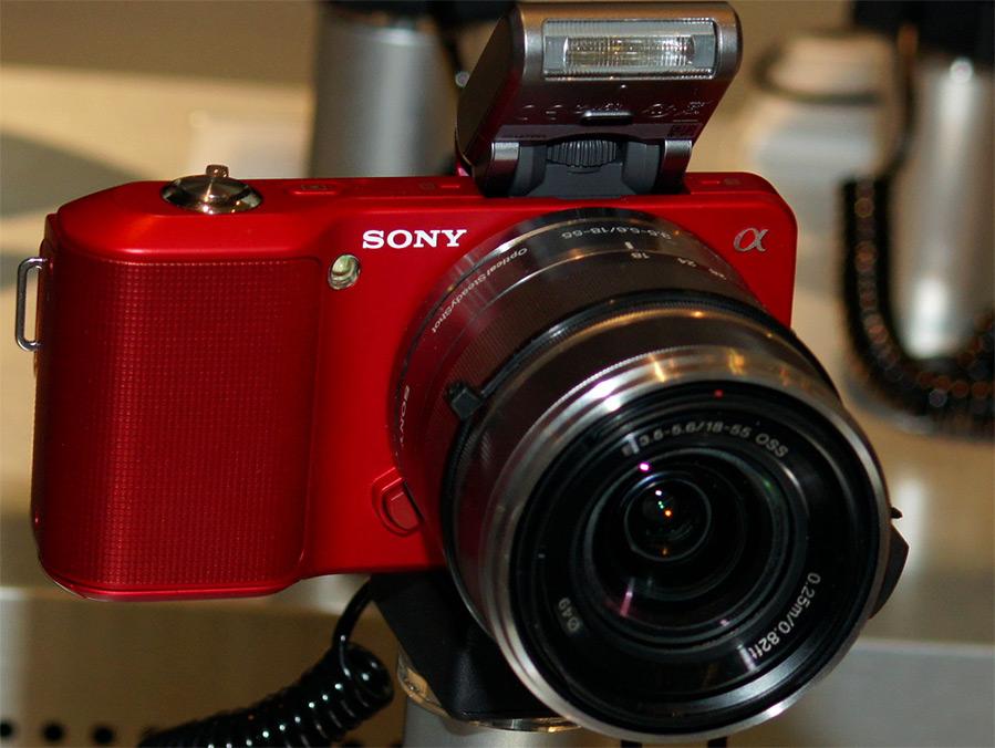 Красный фотоаппарат к 14 февраля