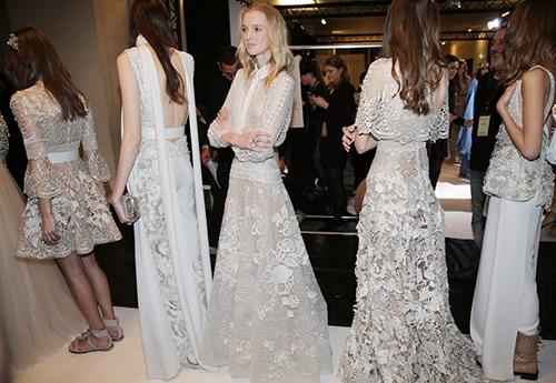 Несколько свадебных платьев для одной невесты