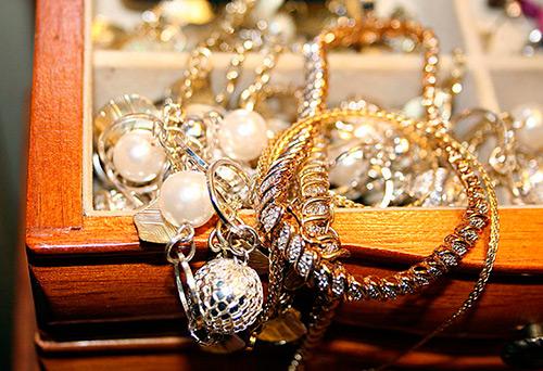 10 правил ухода за ювелирными украшениями