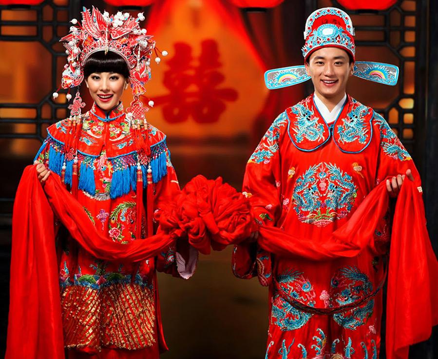 Красочные свадебные наряды из разных стран мира.
