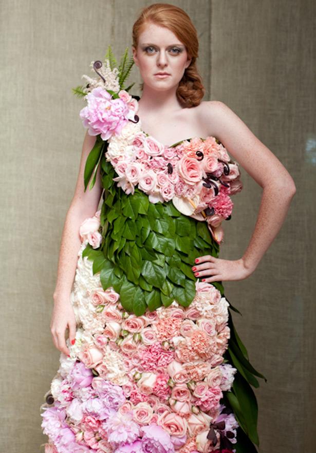 Свадебное платье из живых цветов