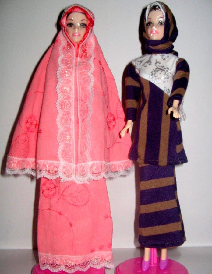 куклы в исламских одеждах