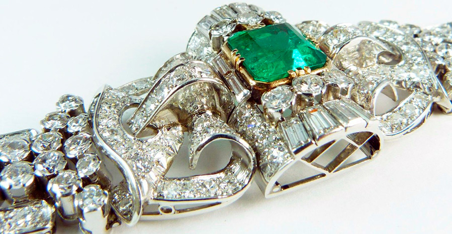 Браслет с бриллиантами и изумрудами