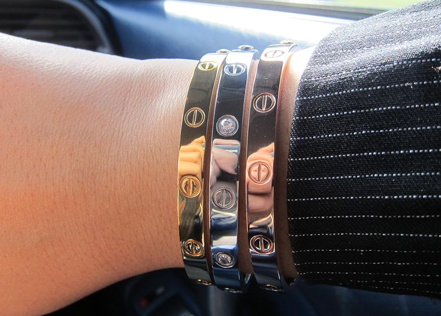 золотые браслеты для влюбленных от Cartier