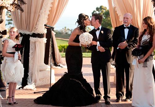 Новый взгляд на черное свадебное платье