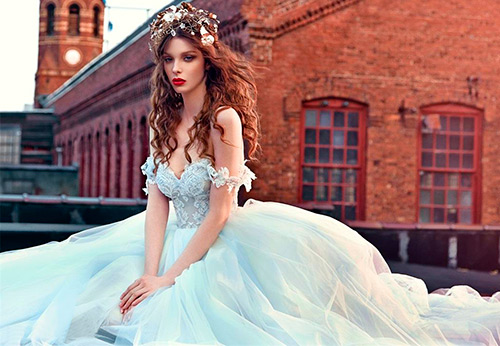 Синие и голубые свадебные платья