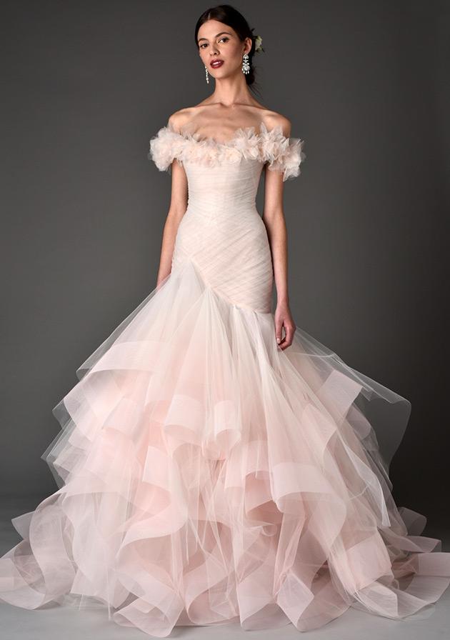 Самые красивые свадебные платья фото 28399b45eaf