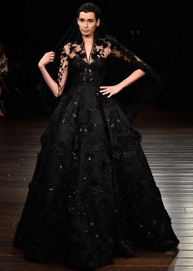 Черное пышное платье свадебное
