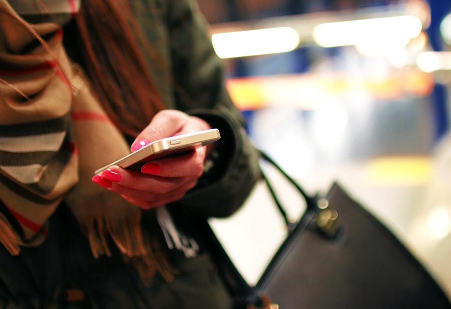 покупать одежду и аксессуары со смартфона