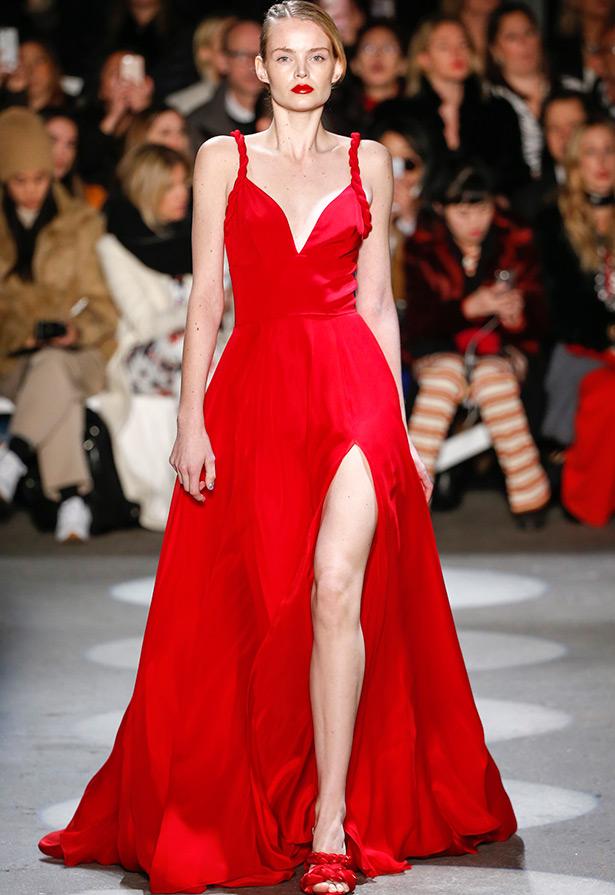 Платья с открытой ногой фото 301-825