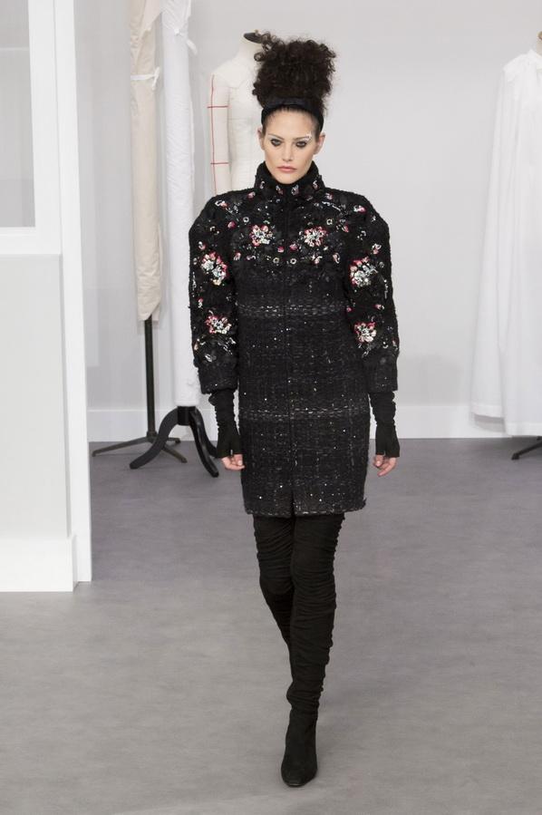 Платья Шанель и твидовые костюмы 2016-2017