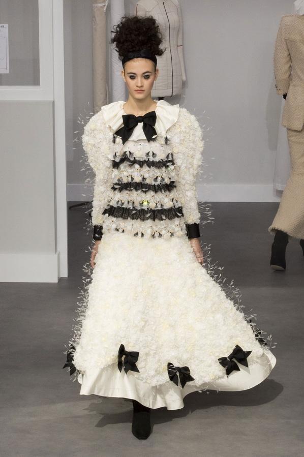 Бело-черное платье Шанель