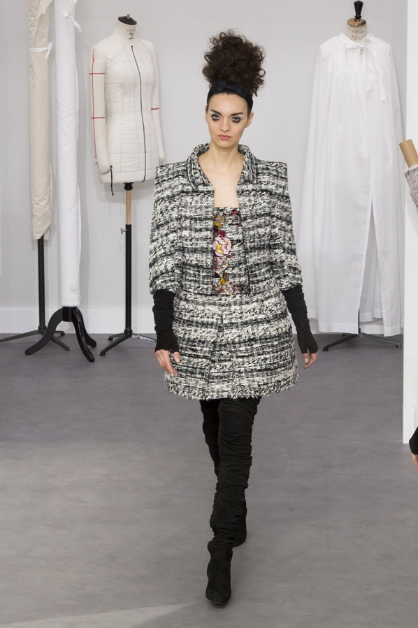 Chanel магазины платьев