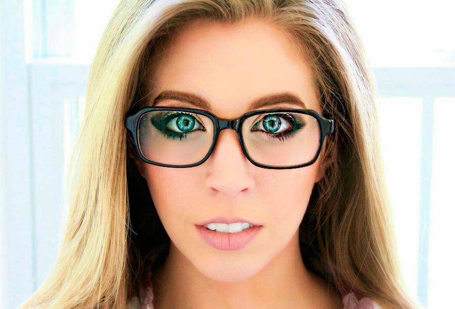 Макияж глаз для тех, кто носит очки