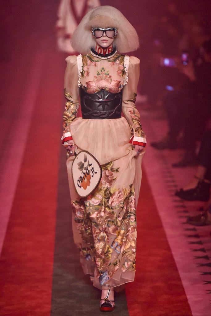 Модная женская одежда Gucci 2017