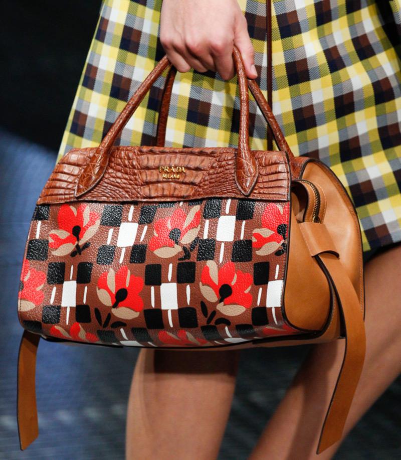 Кожаные сумкипрада весналето 2017