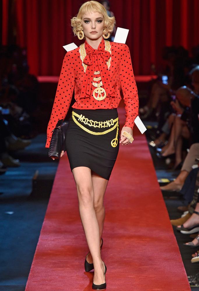 Moschino 2017 – женская одежда в стиле бумажных кукол