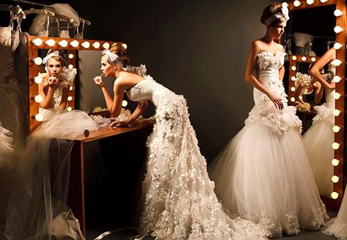 d4f3b01ccde2 38 платьев с перьями на Новый год и другие праздники