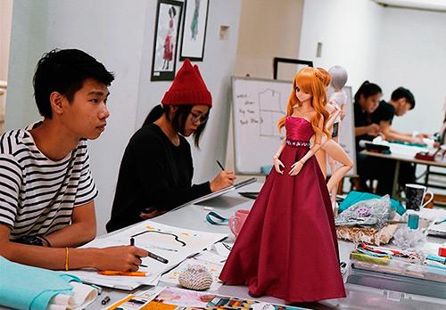 С чего начать карьеру дизайнера модной одежды?