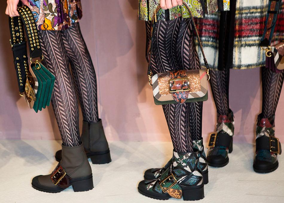 Пряжка в истории и модная женская обувь с пряжками