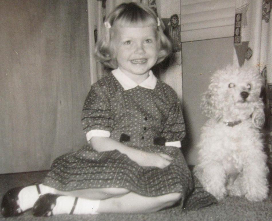 Девочка с пуделем