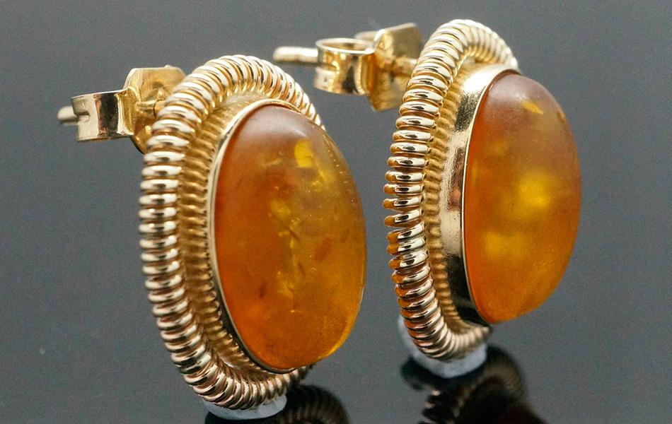 Изделия с камнем янтарь – серьги