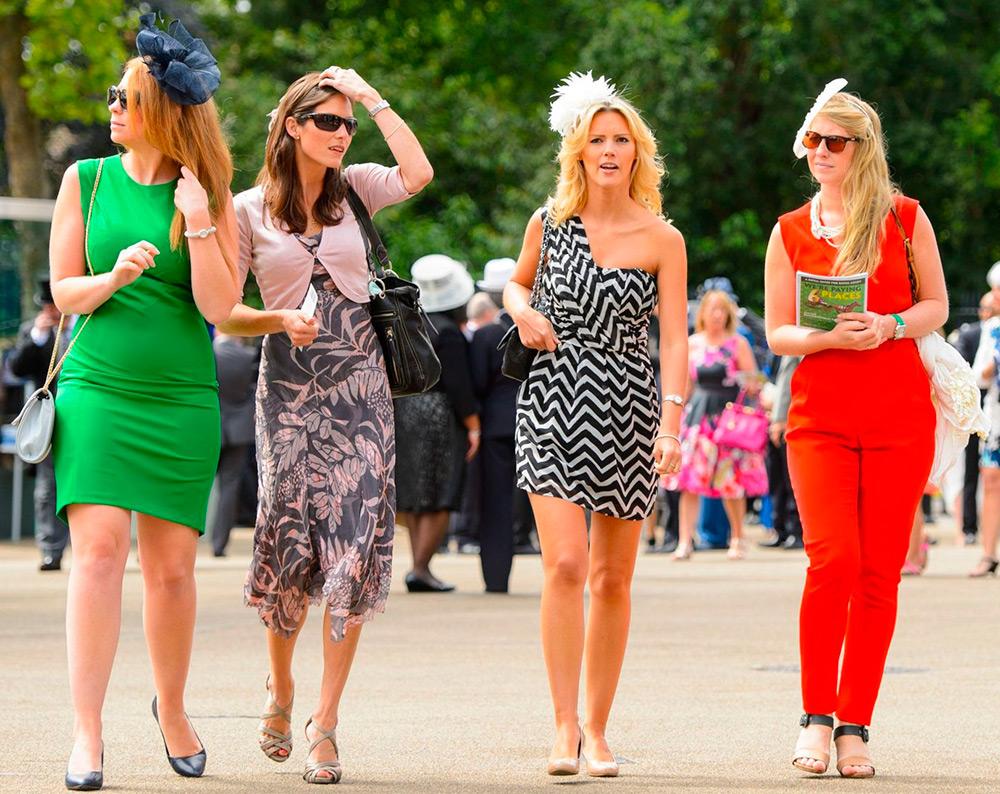 Девушки на скачках Royal Asсot