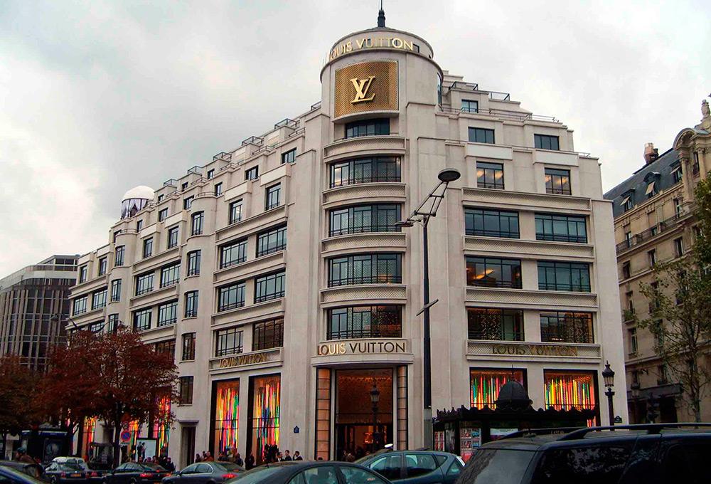 Почему сумки Louis Vuitton стоят так дорого