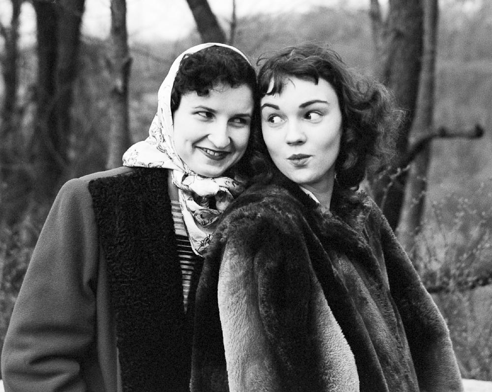Женская мода 1940 годов в США – фото высокого качества title=