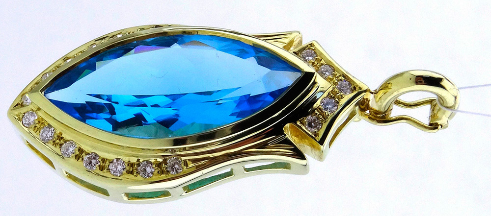 topázio azul