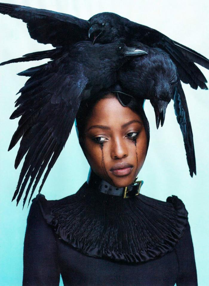 Ворона как источник вдохновения для модных образов и фото