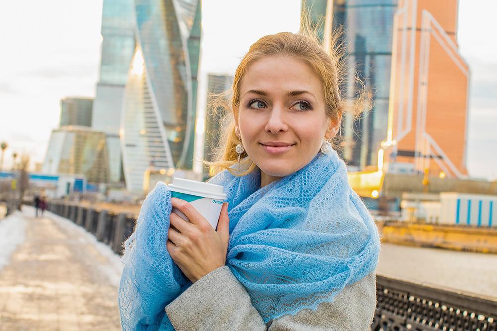 Оренбургский пуховый платок и украшения