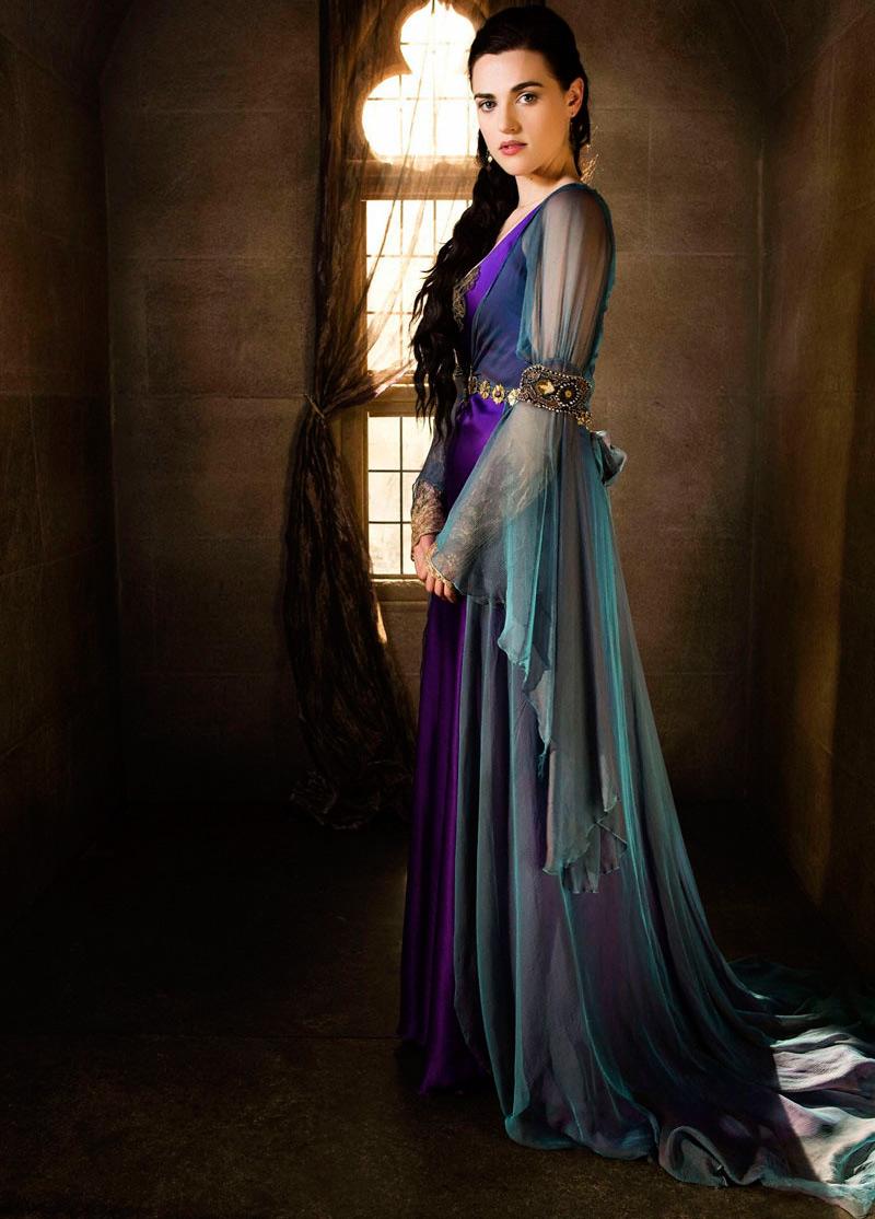 Женская одежда в романском стиле Средневековья