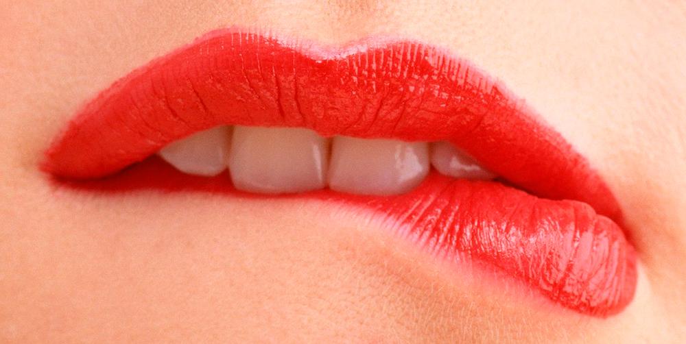 Правильный уход за губами в домашних условиях