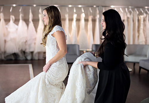 Свадебное платье маллет – короткое и со шлейфом