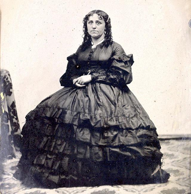 Модные платья 1860 годов – редкие фото