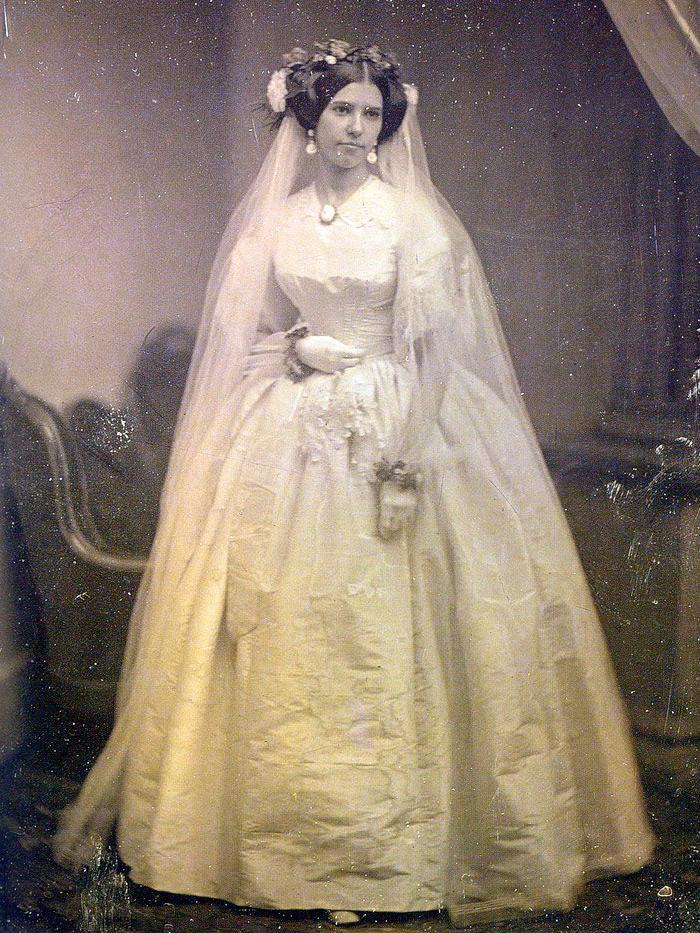 Свадебное платье XIX века