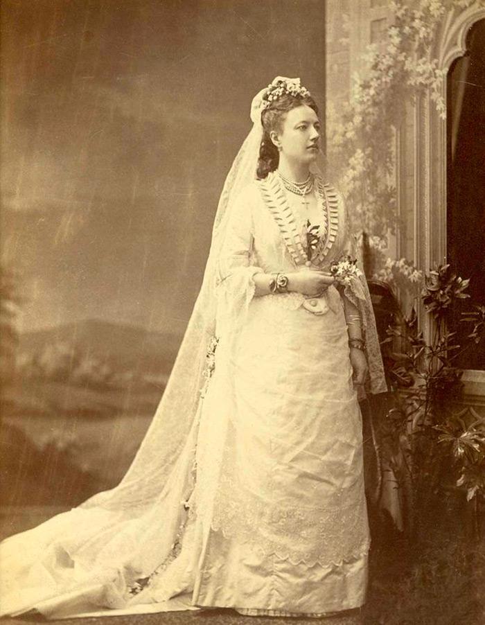 Свадебные платья в молоте