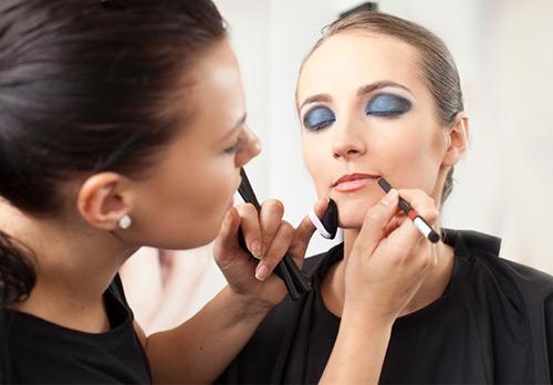 Необычный макияж губ как искусство