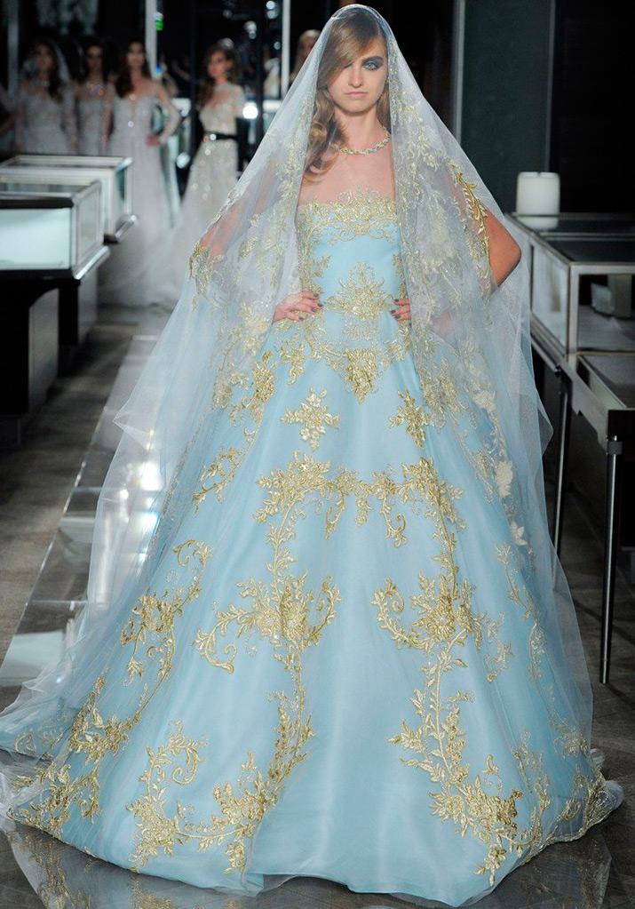 Небесно-голубое платье Reem Acra