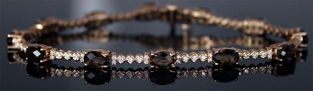 Золотое ожерелье с Раухтопазом