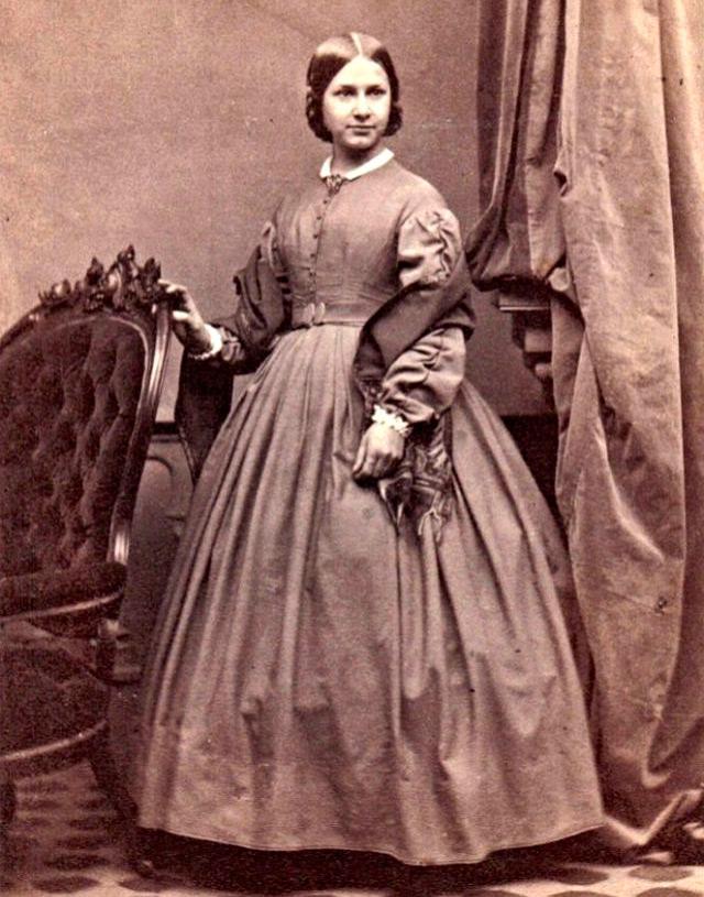 платье в викторианском стиле