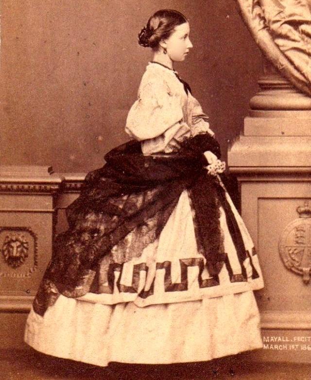 27 платьев для девочек Викторианской эпохи