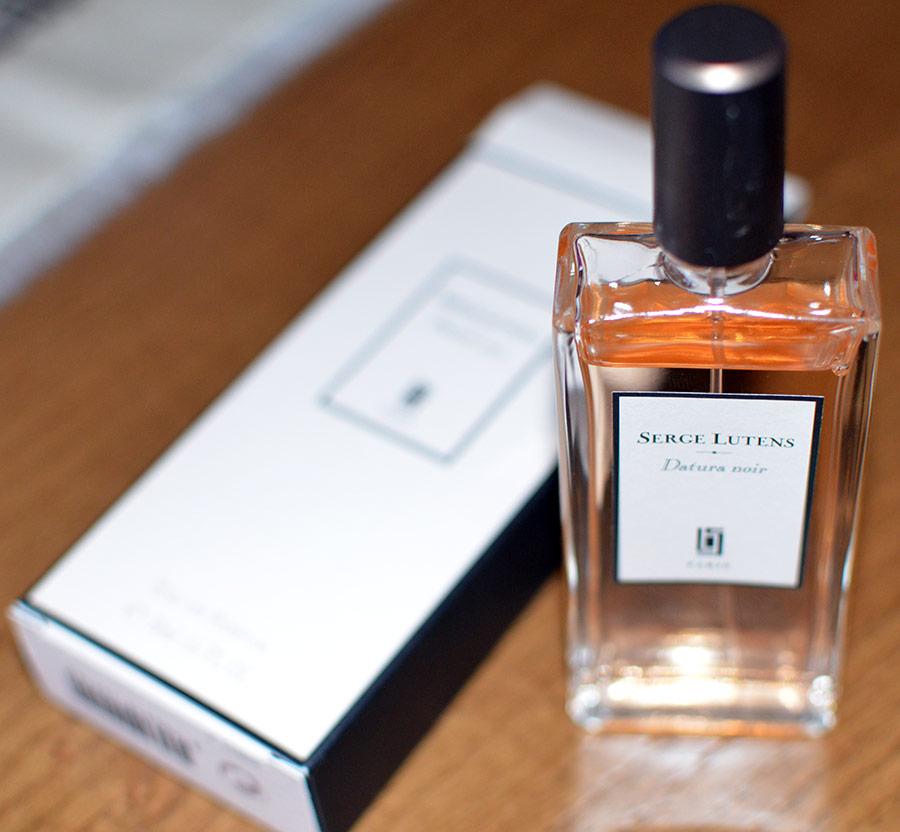 Яркий парфюм Datura Noir от Serge Lutens