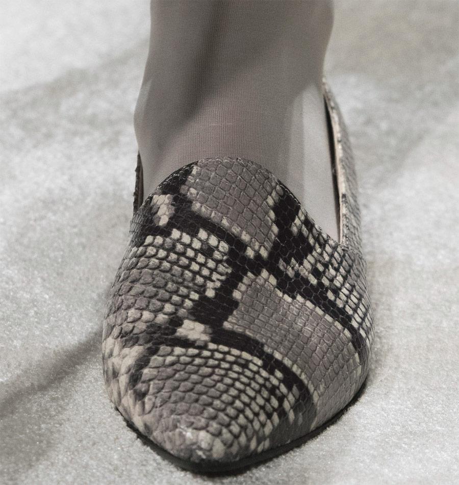 Модная обувь из кожи питона