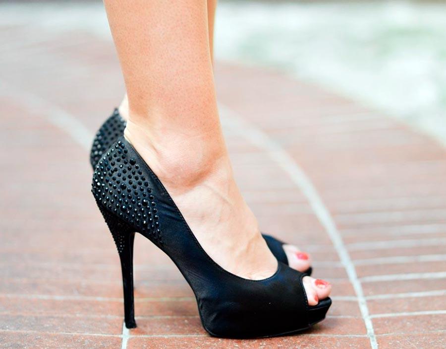 Туфли, которые делают образ дешевым