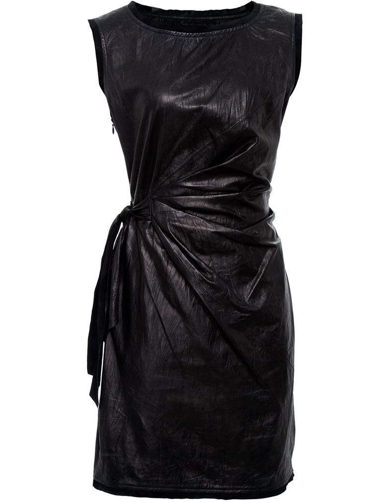 Платья, юбки, шорты, куртки, брюки, - в моде все.