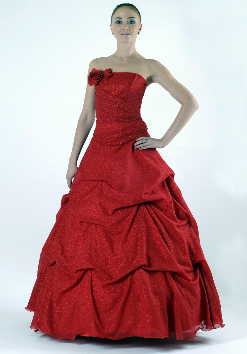 Saloon :: Красные свадебные платья - фото