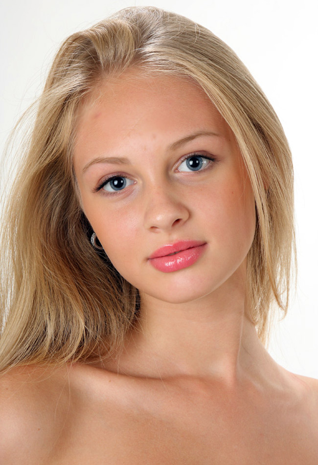 Красивая девушка – русская красавица