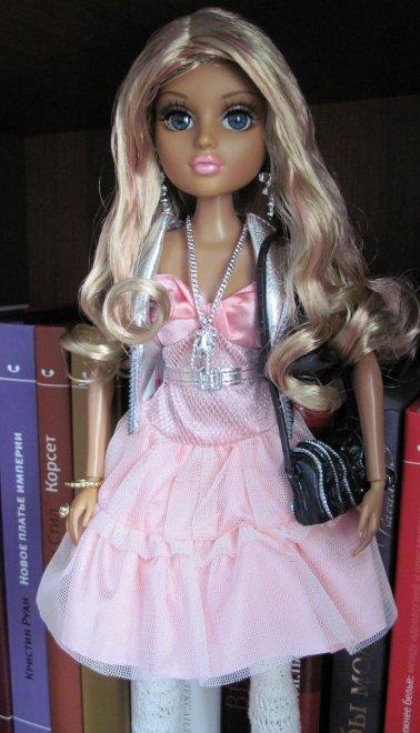 Кукла Мокси Тинз блондинка